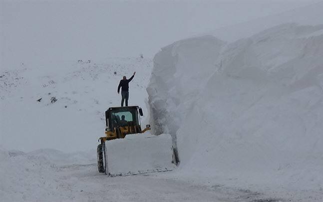 برف در ترکیه1 1 - تساقط لثلوج غير المسبوقة في تركيا