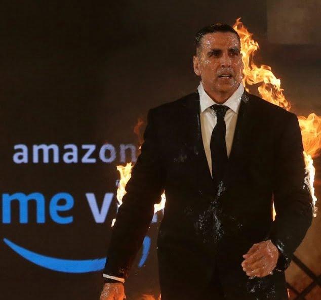 أكشي كومار - الصور/ الممثل الهندي الشهير أحرق نفسه