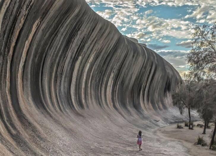 أستراليا - الصورة الخلابة من صخرة تشبة الموجة