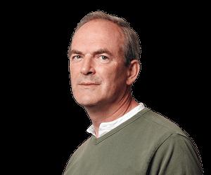 Simon Tisdall L - كيف دفع محرض على الحرب أمريكي بريطانيا إلى الصراع مع إيران..سيمون تيسدال
