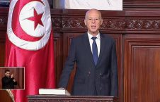 قيس سعيد 226x145 - رئيسا لتونس.. قيس سعيد يؤدي اليمين الدستورية أمام البرلمان