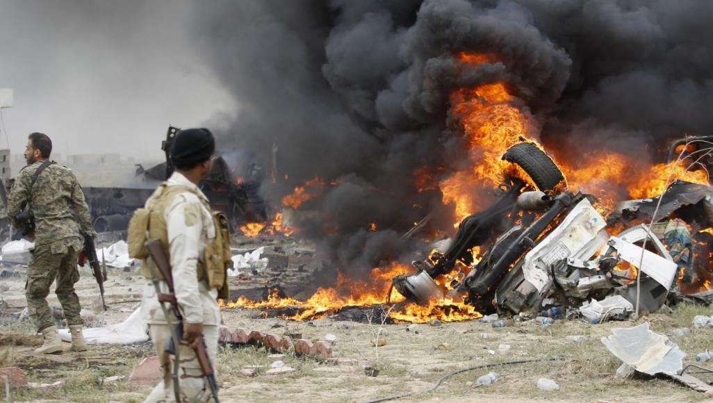 الشعبي - عشرات قتلى و جرحى إثر الغارات الأمريكية على مواقع للحشد الشعبي في العراق