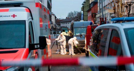 52441551 303 550x295 - إصابة 4 فى حادثة طعن قرب فرانكفورت
