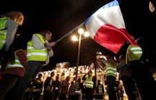 French fuel protests against Macron over rising prices