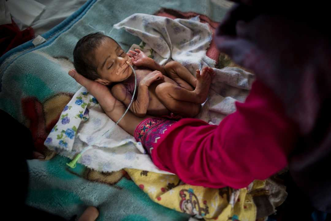 cd415483 2553 40e5 abfe 4d2b6ae5104b MSF newborn hi res 1 - Life-saving medical care for mothers in Afghanistan+ Statistics