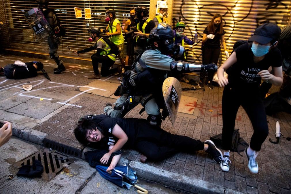 3500 1 - Hong Kong still in Riot