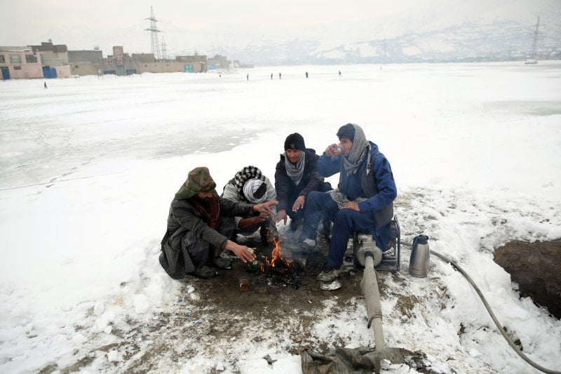 Heavy snowfall avalanche Afghanistan Pakistan - Avalanches Kill 70 More People in Pakistan and Afghanistan