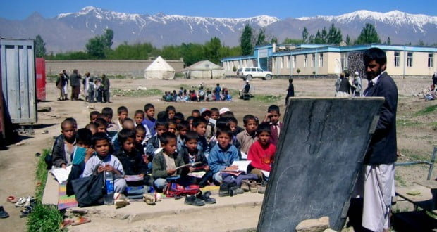 له افغانستان د ښوونې سره ۱۰۰ میلیونه ډالره مرسته