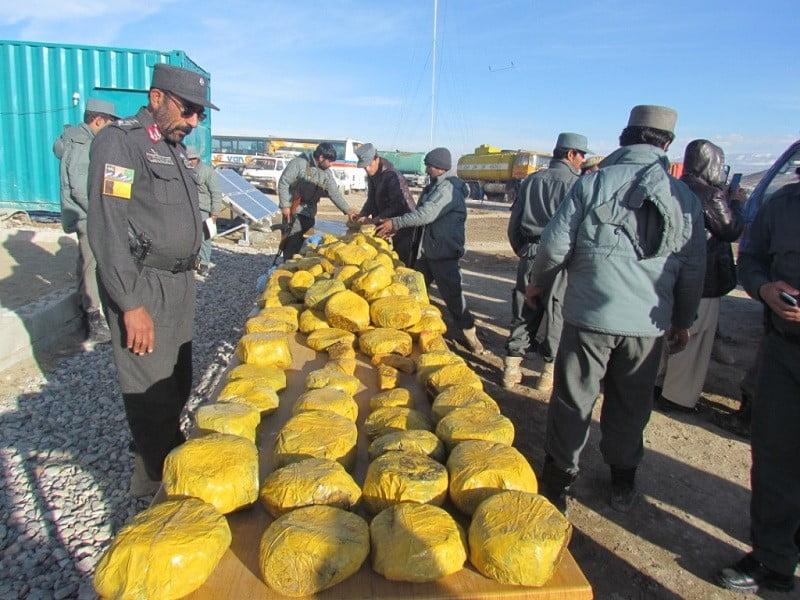 د ۵۲ کیلو ګرامو مخدره توکو قاچاق