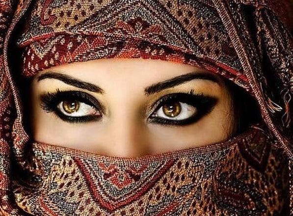 دفرانسی چارواکو لخوا دیوی عربی شاهزادی د محکمی په درشل کی