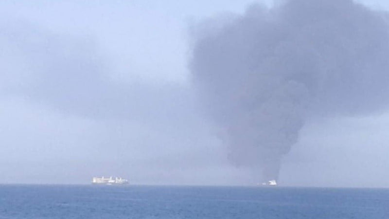 په عمان سمندر کې پر دوو تیلی کشتیو برید