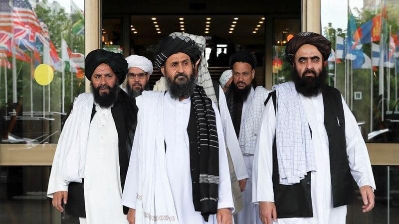 له افغانستان څخه دامریکایی قواودوتلوپه اړه دملابرادرخبری