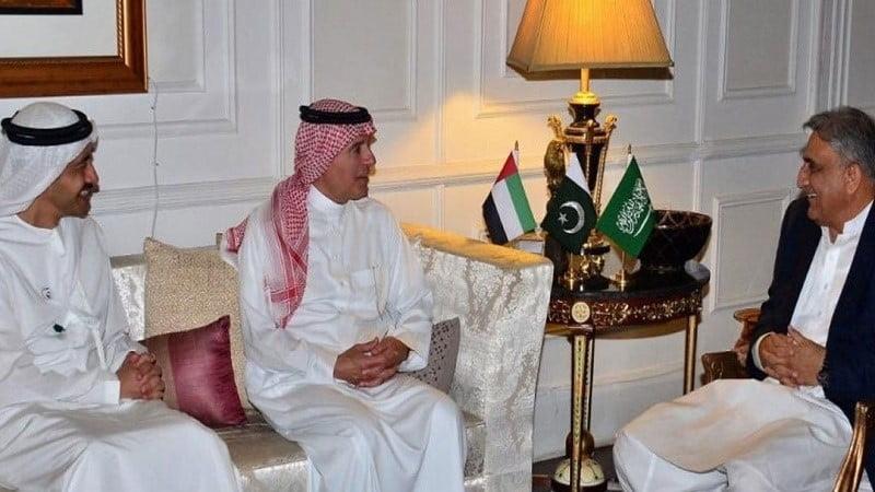 د عربستان او د اماراتو چارواکی سفر پاکستان ته