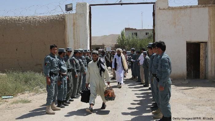 د۵۰۰له بندیانوپه خوشی کیدو سره جوخت د بین الافغاني مذاکرات پیلیدا