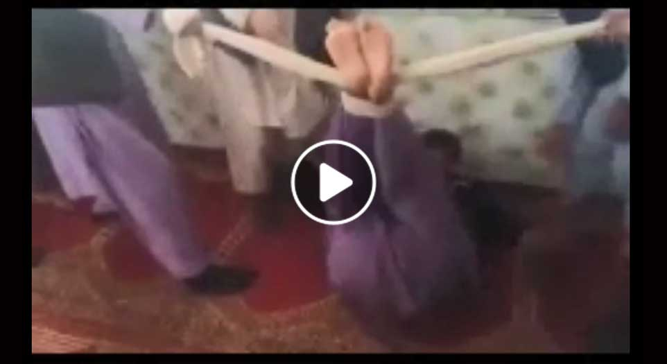ویډیو/ د طالبانو لخوا د یو ۱۴ کلن ماشوم دردناک شکنجه