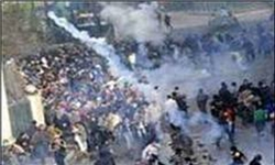بحرینی - درگیری صدها معترض بحرینی با نیروهای امنیتی