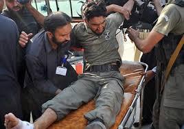 پشاور - حمله افراد مسلح بالای یک پایگاه قوای هوایی پاکستان در پشاور