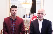 هوتک 226x145 - اهدای مدال عالی میر مسجدی خان به احمد ولی هوتک
