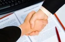قرارداد 226x145 - قراردادها در ننگرهار باتوجه به منافع ملي منعقد نمی شود!