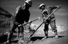 کارگر 226x145 - موجودیت صدها هزار کارگر خارجی در افغانستان