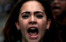 فریاد خشم یک زن در تظاهرات ضد نیکلاس مادورو رییس جمهور ونزویلا در کاراکاس