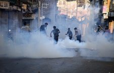 درگیری نیروهای امنیتی هند و مردم در کشمیر (21)