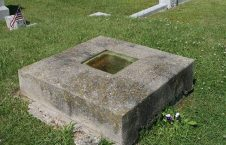 قبر عجیب 1