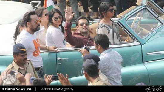 رژه بازیگران هند 3 - رژه بازیگران مشهور در هند + تصاویر