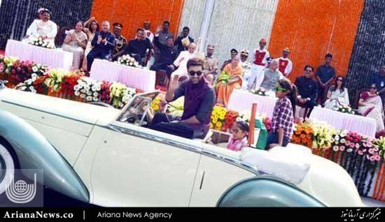 رژه بازیگران هند 4 - رژه بازیگران مشهور در هند + تصاویر