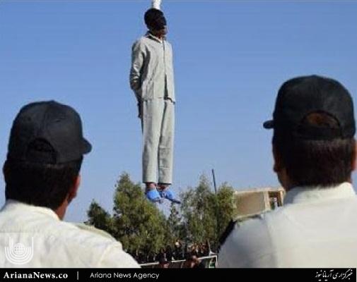 قاتل ستایش قریشی 3 - تصاویر پخش نشده از اعدام قاتل ستایش قریشی ( 18+ )