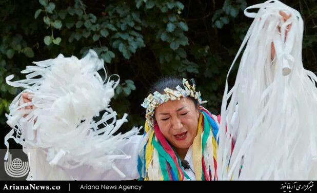 جن گیری 2 - مراسم عجیب جن گیری در کوریای جنوبی + تصاویر