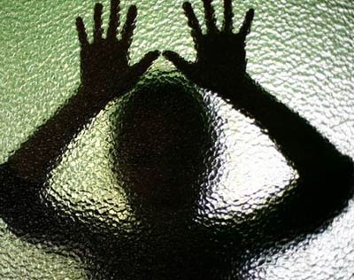 4 - مادر جرمن به جرم تجاوز جنسی به پسرش زندانی شد! + عکس
