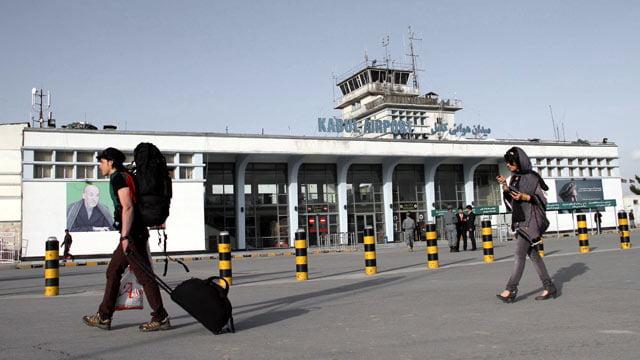 میدان هوایی کابل - مظنون بینالمللی با پاسپورت جعلی به دام افتاد!