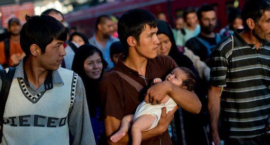 پناهجو 1 550x295 - بررسی وضعیت مهاجران و پناهجویان افغان در اروپا با حضورداشت وزیر امور مهاجرین و عودت کنندگان