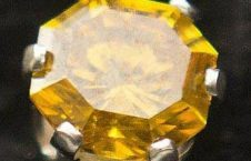 226x145 - زن عاشق، جسد شوهرش را به انگشتر جواهر تبدیل کرد! + عکس