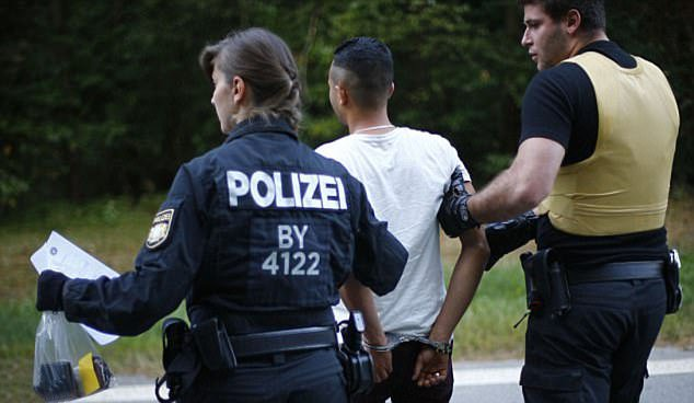 جرمنی - اعتراض به همسایه دزدی توسط پولیس جرمنی