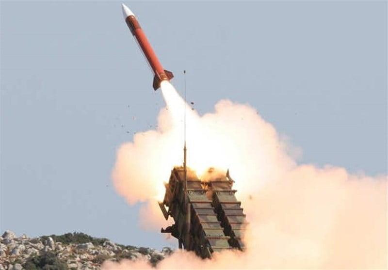 راکت - حمله راکتی یمنی ها بالای مواضع عربستان سعودی