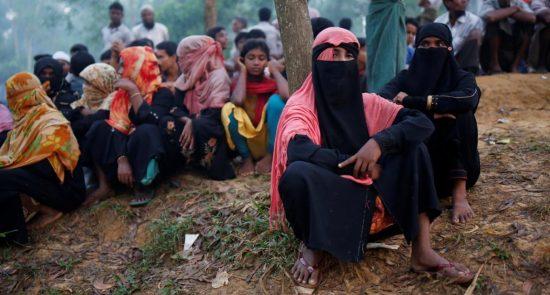 روهینگیایی 550x295 - افزایش نگرانی ها از شیوع گسترده کرونا در اردوگاههای پناهجویان روهینگیایی