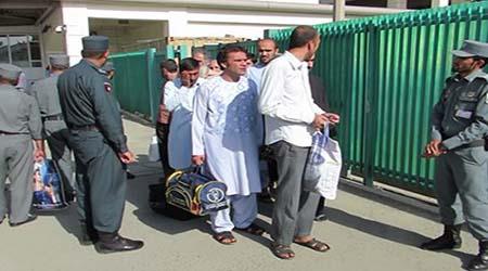 زندانی - انتقال ۵۰۰ تن زندانی افغان از ایران به افغانستان