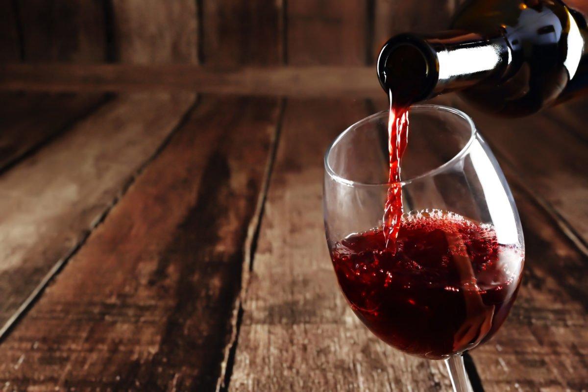 شراب - عاقبت دردناک نوشیدن شراب تقلبی