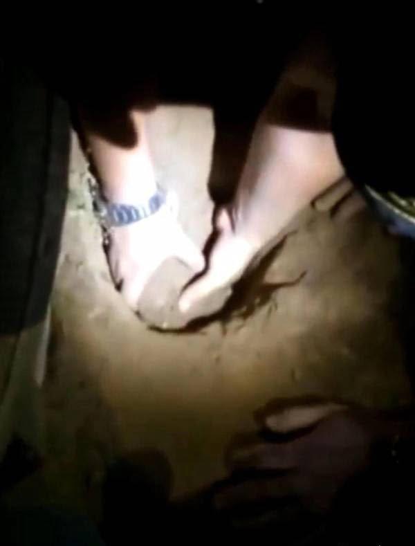 طفل 2 - طفل تازه ولادت یافته ساعت ها بعد از دفن زنده شد! + تصاویر
