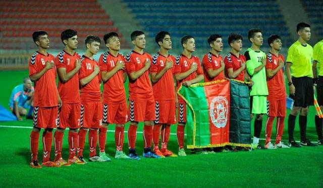فوتبال 1 - ملی پوشان فوتبال ۱۶ سال کشورمان به مصاف اوزبیکستان میروند