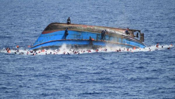 قایق - غرق شدن بیش از یکصد پناهجو در بحر مدیترانه