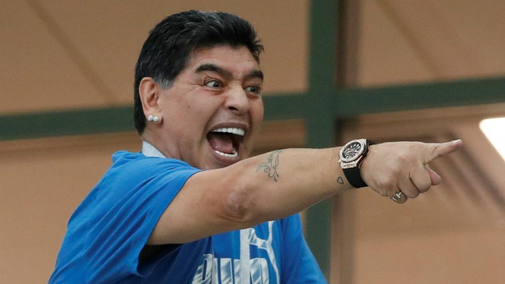 .jpg - مارادونا از شادی زیاد راهی شفاخانه شد!