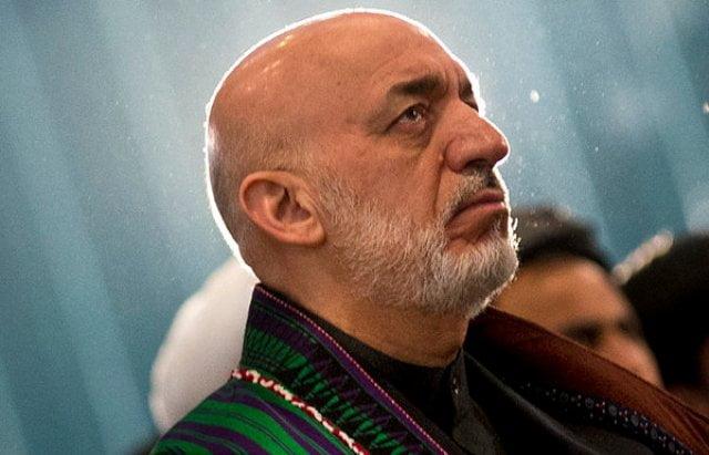 کرزی 2 - کرزی برای اشتراک در کنفرانس وحدت اسلامی به ایران رفت