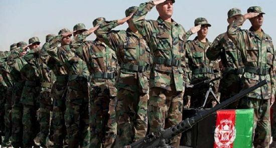 اردوی ملی 550x295 - تاکید عبدالله عبدالله بر حمایت همه جانبه از نیروهای امنیتی و دفاعی