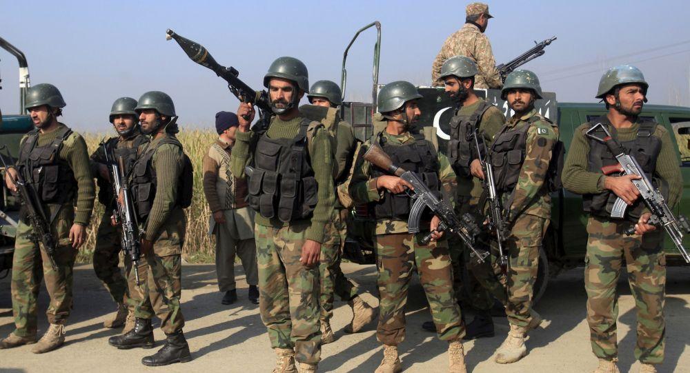 اردوی پاکستان - جامعه مدنی افغانستان، اردوی پاکستان را در نشست ژنو هدف قرار دادند