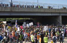 تظاهرات شیکاگو 6 226x145 - تصاویر/ تظاهرات مردم امریکا علیه خشونتهای مسلحانه