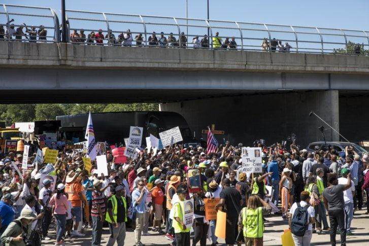 تظاهرات شیکاگو 6 - تصاویر/ تظاهرات مردم امریکا علیه خشونتهای مسلحانه