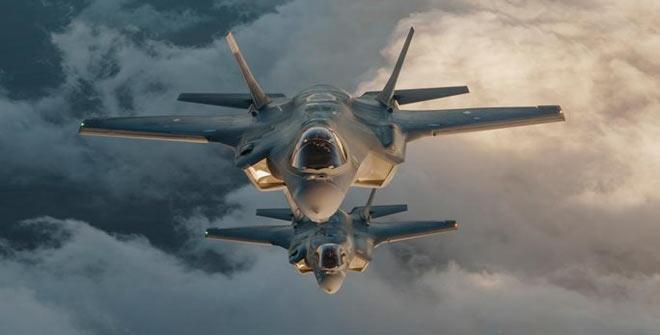 طیاره 2 - حمله طیارات جنگی امریکایی بالای مواضع پولیس در ولایت کندز